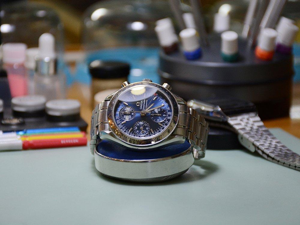 Sửa đồng hồ omega Speed master
