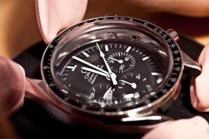 019 300x200 - Bảo dưỡng, sửa chữa đồng hồ Omega Speedmaster Chronograph