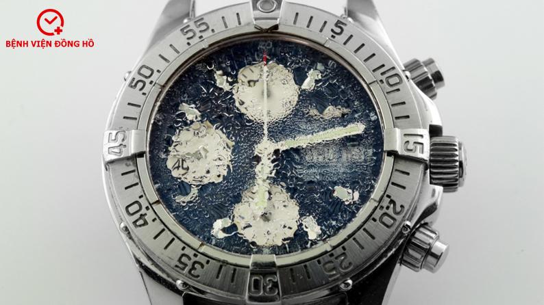 đồng hồ quartz vào nước