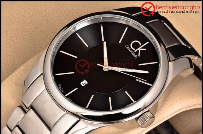 Đồng hồ Calvin Klein thường sử dụng kính đồng hồ tráng sapphire