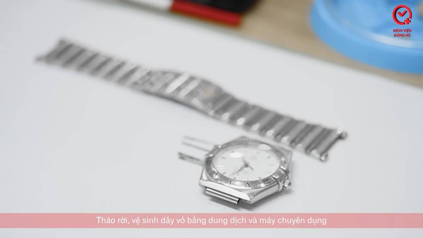 tháo dây và vệ sinh đồng hồ - Căn Chỉnh Nhanh Chậm Đồng Hồ Cơ | Bệnh Viện Đồng Hồ