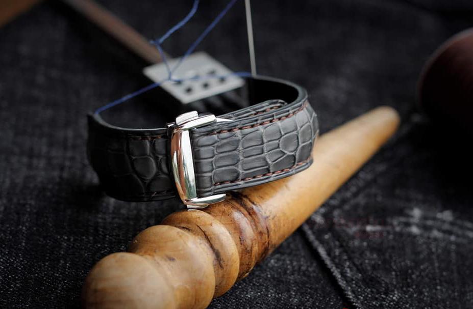 dây đồng hồ da cá sấu tphcm, Hướng dẫn cách nhận biết dây đồng hồ da cá sấu Tphcm THẬT, GIẢ