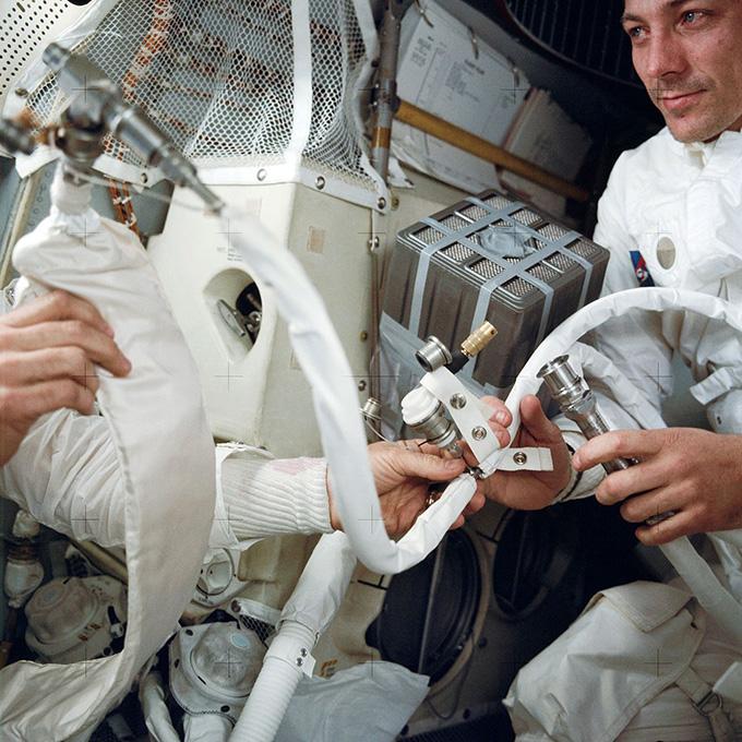 Khắc phục sự cố trên Apollo 13