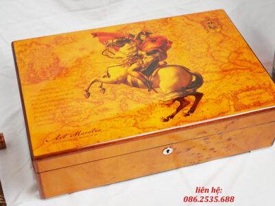 Hộp đựng 12 đồng hồ, gỗ Óc Chó vân Veneer phủ Sơn Mài hình Napoleon Bonaparte 3